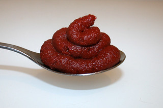 10 - Zutat Tomatenmark / Ingredient tomato puree