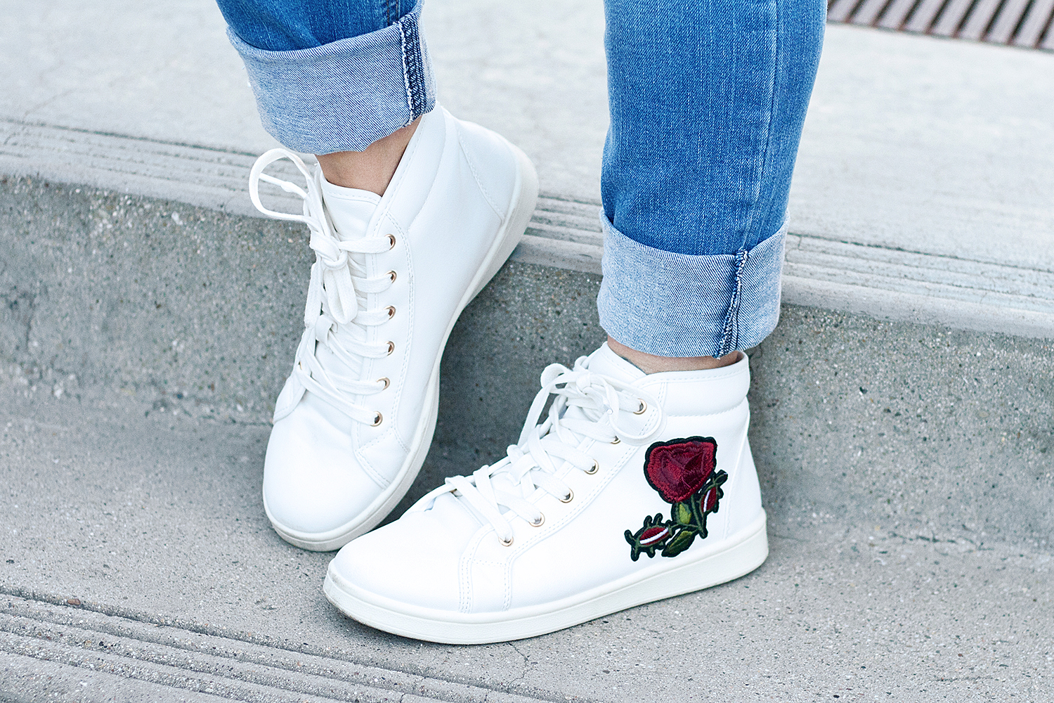 09denim-floral-embroidery-sneakers-fashion-style