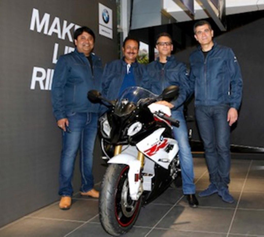 01 Image (L-R) Mr. Shivapada Ray, Mr. Sharad Kachalia, Mr. Vikram  Pawah and Mr. Dimitris Raptis
