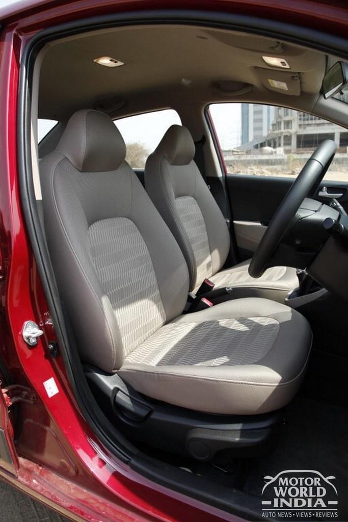2017-Hyundai-Xcent-Facelift-Interior (12)