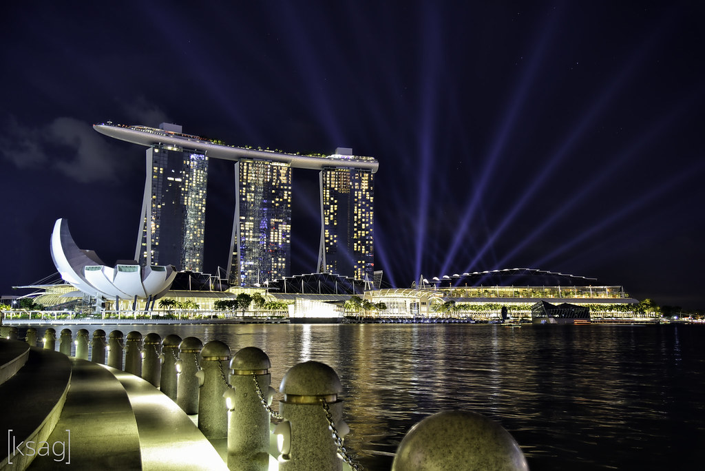 marina bay sands singapore with the light show at marina flickr