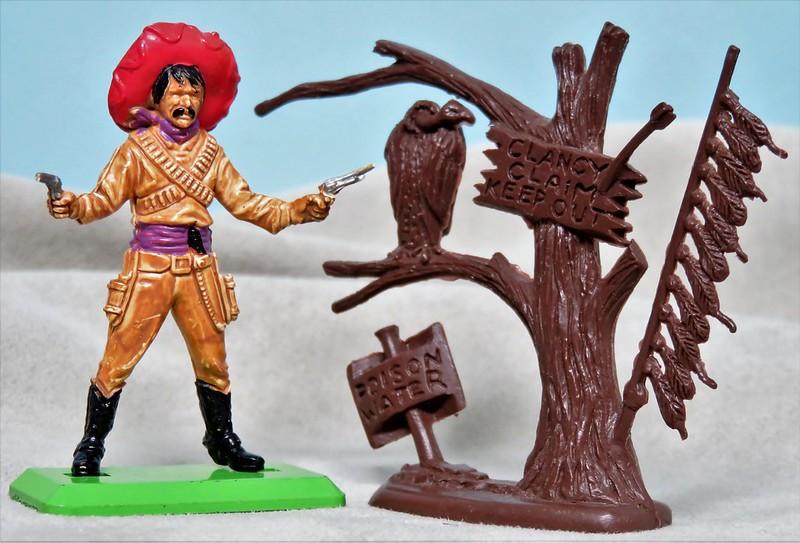 Toy soldiers, cowboys, indians, space men etc 34610348946_ae559a4e2e_c
