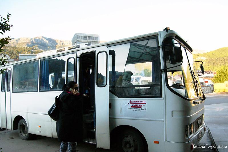 Междугородний автобус на автостанции Будвы