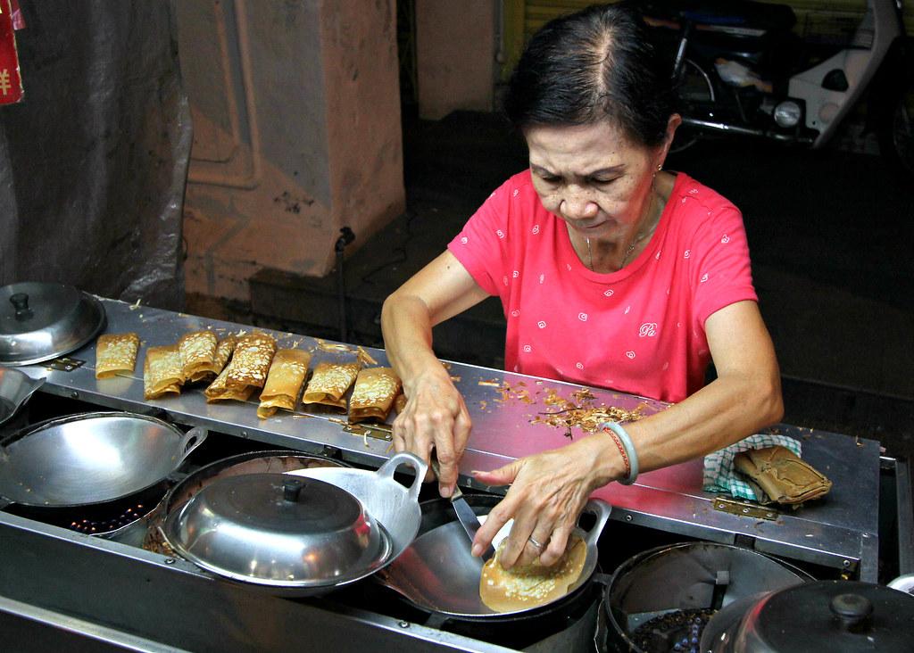 chulia-street-night-market-apom-stall