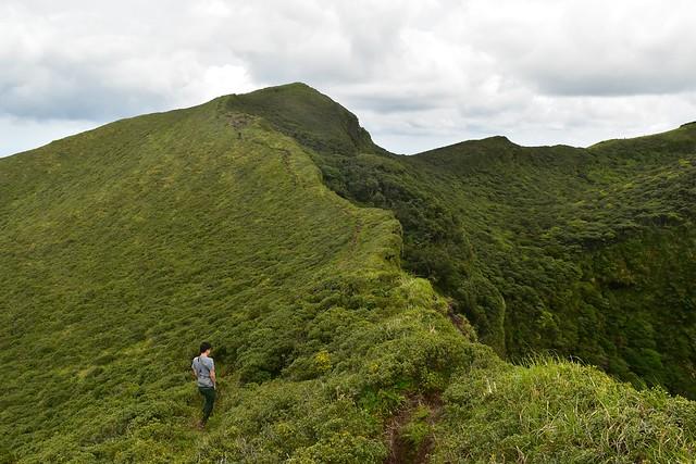 八丈富士登山 お鉢の稜線