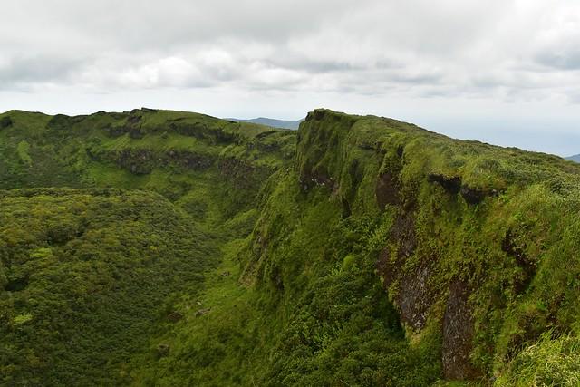 八丈富士・断崖絶壁のお鉢巡り