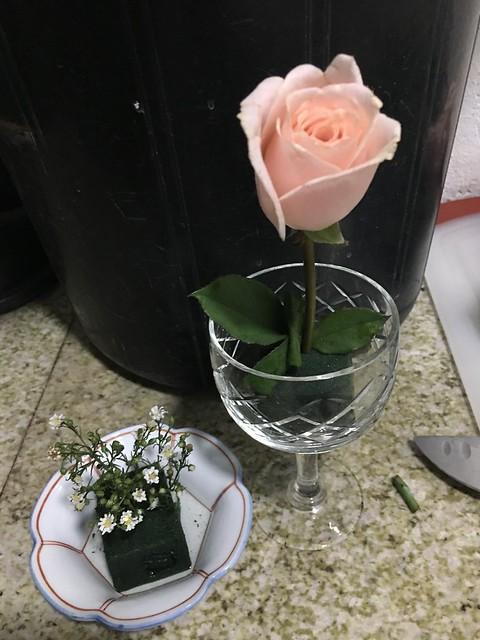 wine goblet, one rose