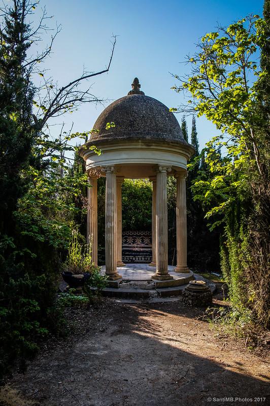 Glorieta del jardín de Cal Pla