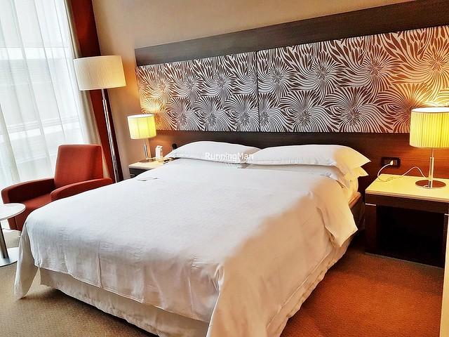 Sheraton Malpensa Hotel 02 - Bedroom