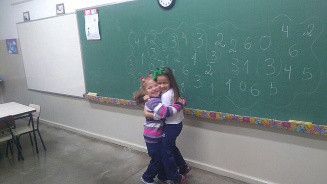 Jogo dos numerais com as turminhas do Infantil