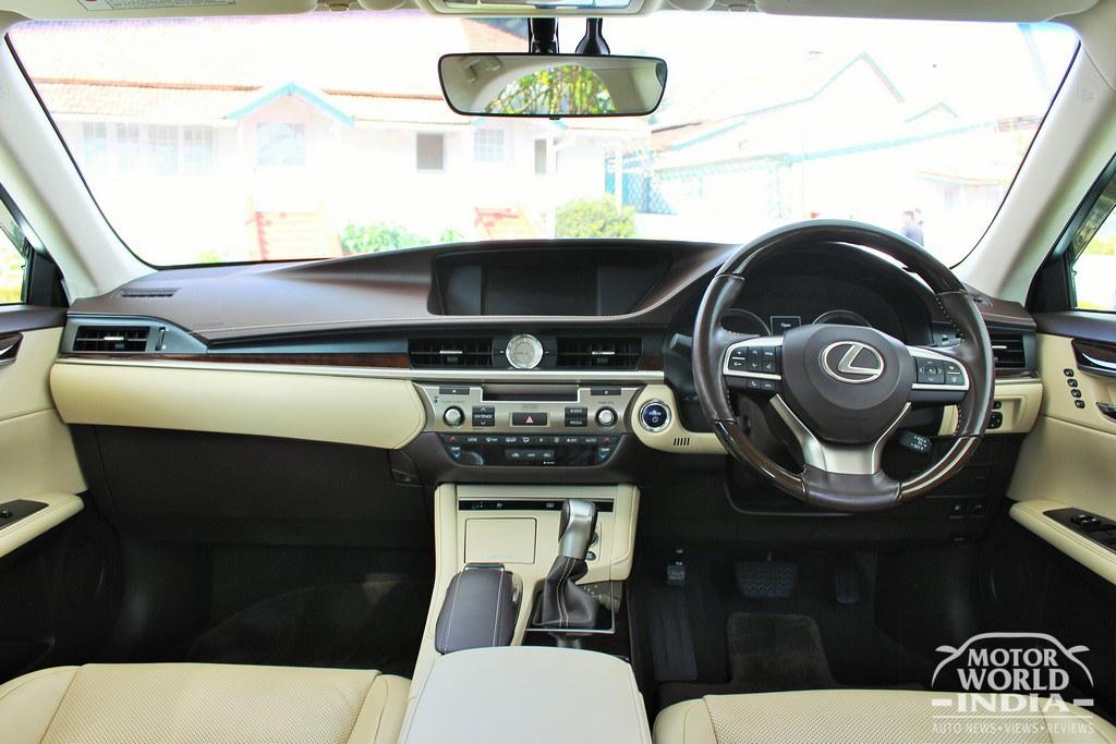 Lexus-ES-300h-Interiors