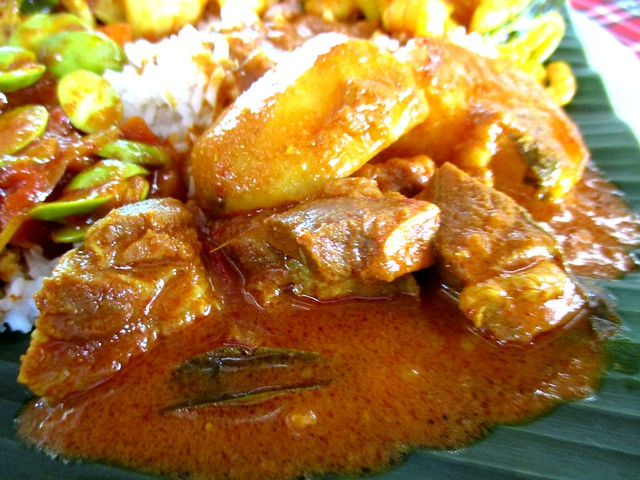 Hari Hari Daun Pisang mutton curry