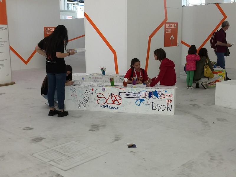 Carioca Un salon du livre, lieu idéal pour que les enfants quittent les écrans