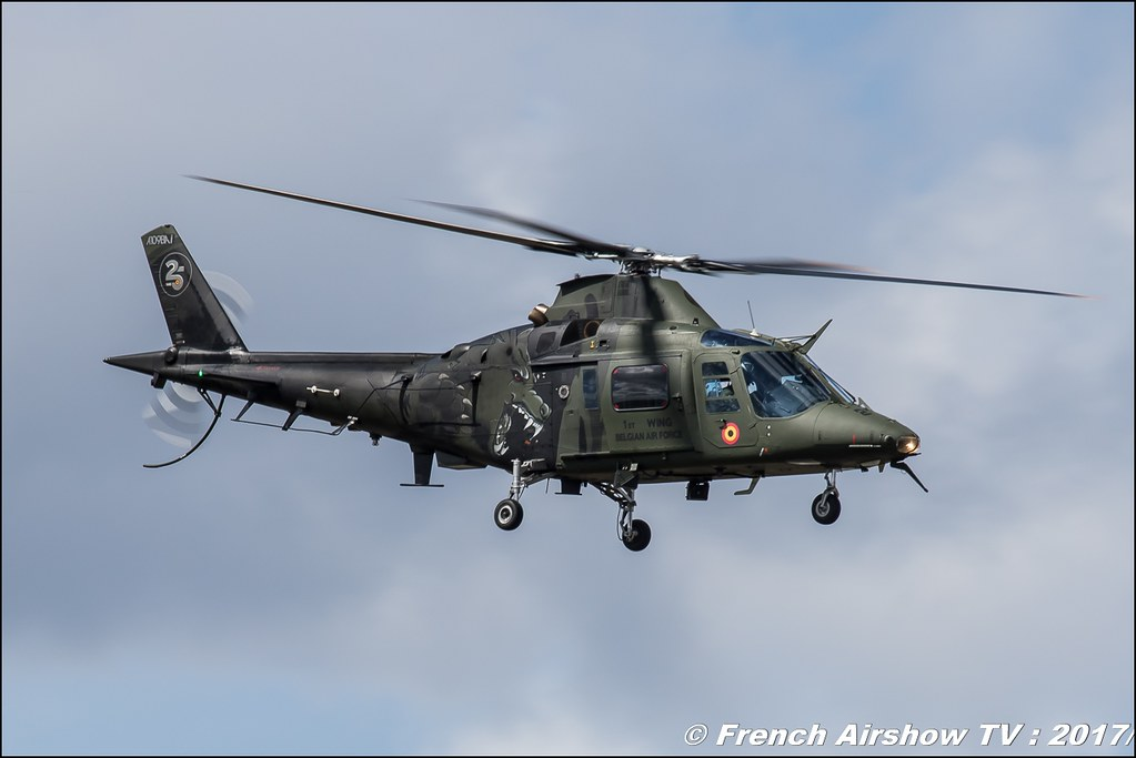 Agusta A109 1Wing Display Team , Meeting de l'Air BA-106 Bordeaux Merignac , meeting aerien 2017 , Airshow