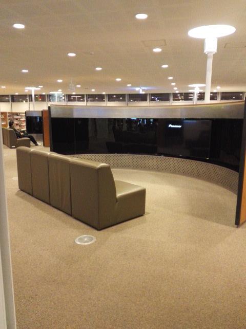 高雄図書館の視聴覚ルーム