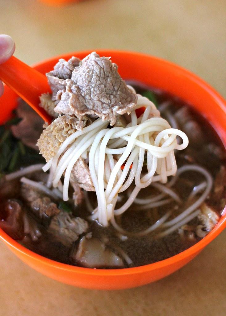 zheng-yi-hainanese-beef-noodles-soupy