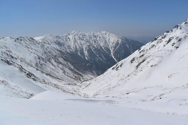 三ノ沢岳の稜線から見る空木岳方面