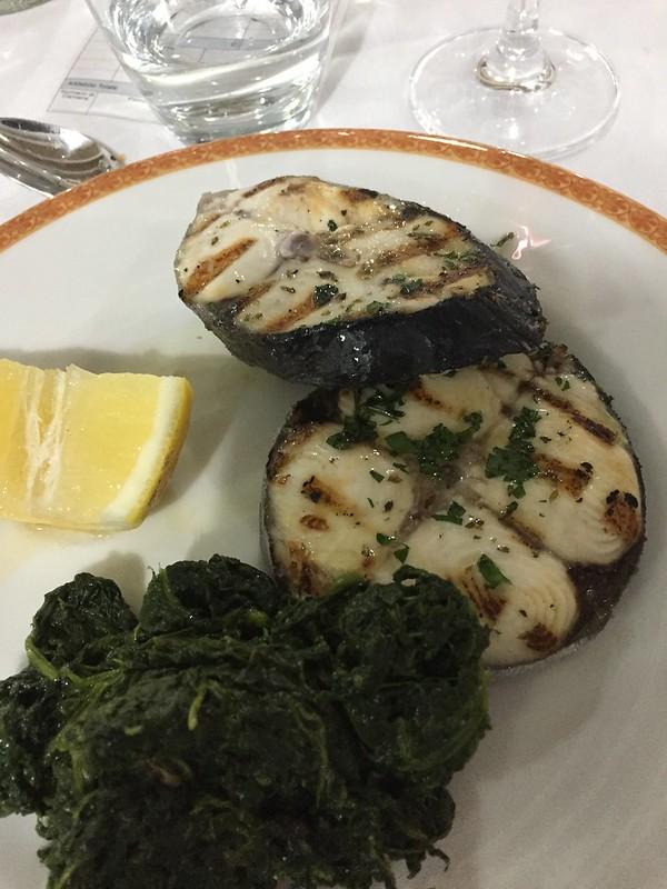 Thunfisch mit Spinat und Zitrone