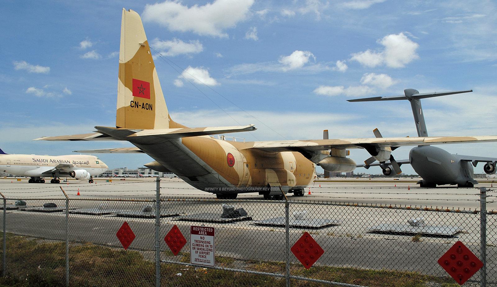 FRA: Photos d'avions de transport - Page 31 34329359612_b834fa35c3_h