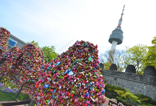 lovelocks n seoul tower