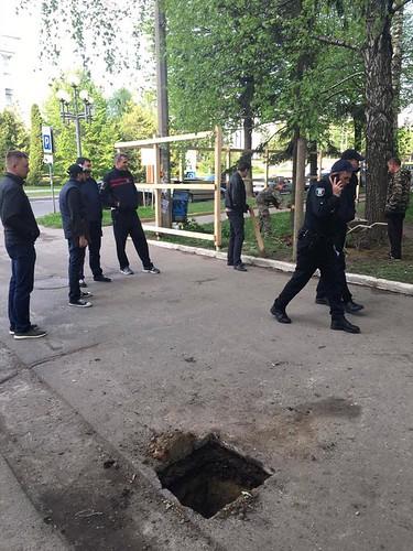 Депутат викликав поліцію, бопаркан на Кавказькій — підозрілий