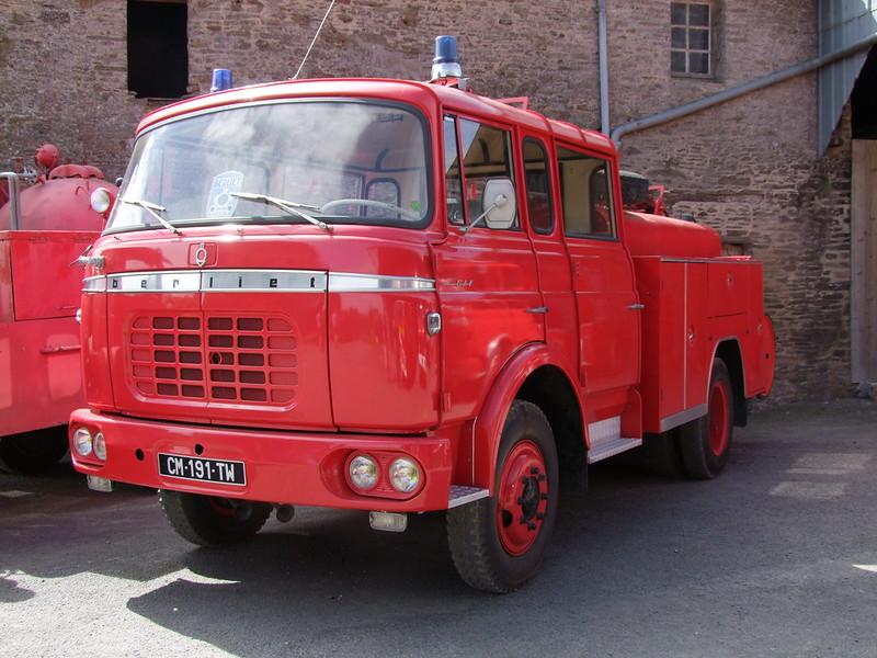 Rassemblement de camions anciens en Normandie - Page 2 35574439526_24ed41ba71_c
