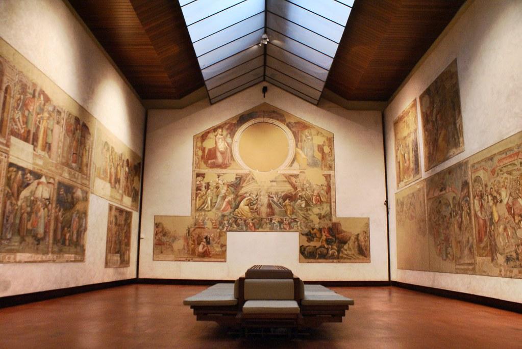 Fresque d'une église transférée dans la Pinacothèque de Bologne.