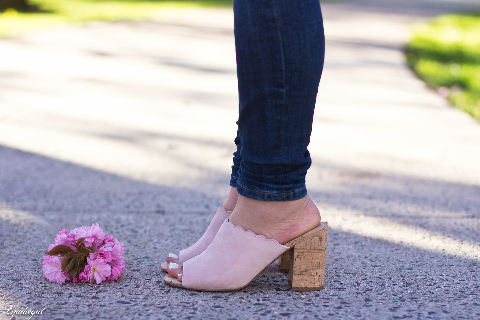 scalloped blazer, camisole, mules, spring outfit-8.jpg