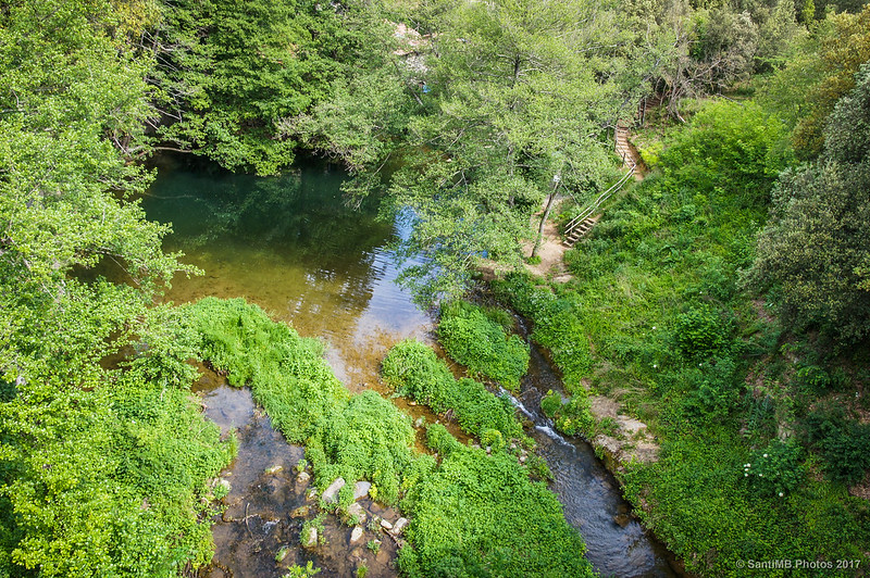 Gorg de Can Poeti desde el puente de la Vía Verde