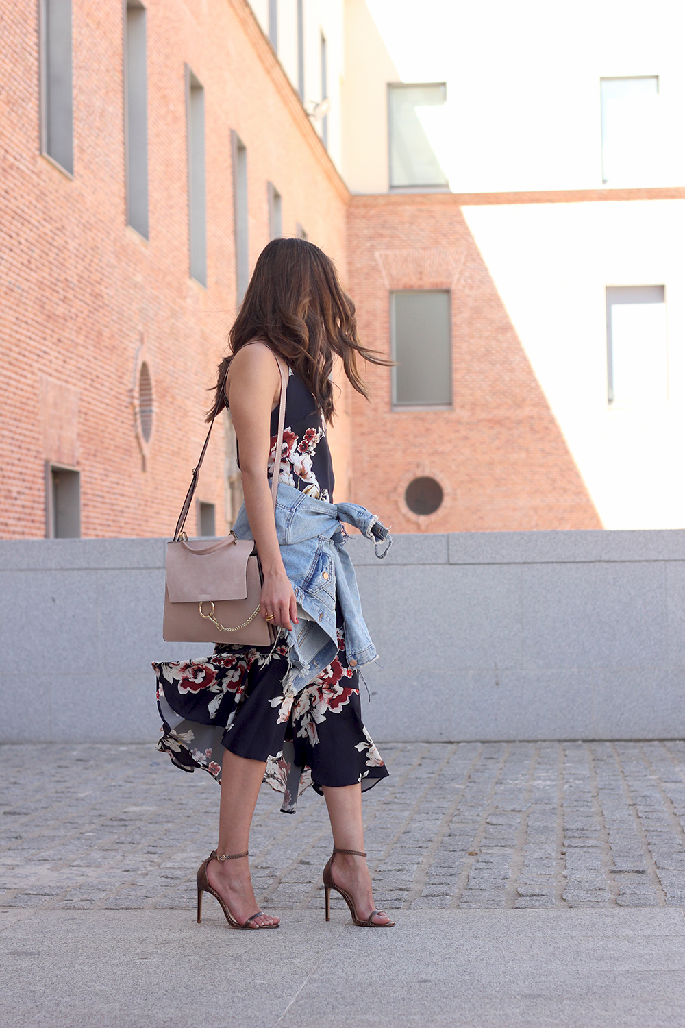 Floral dress denim jacket heels spring outfit style fashion04