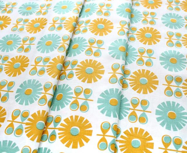 Dashwood Studio Confetti CONF 1236 Large Flower