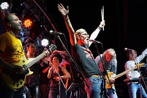 «Форева — онлі рок-н-рол»