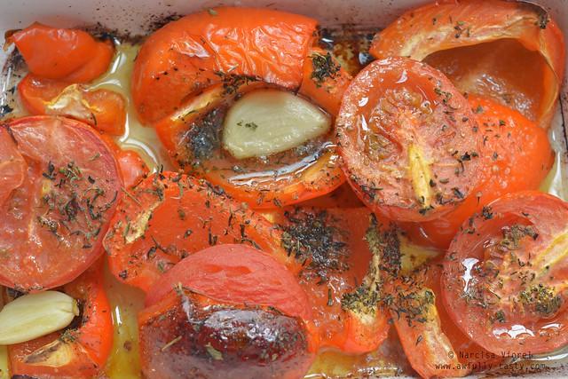 chiftelute cu sos de ardei copti