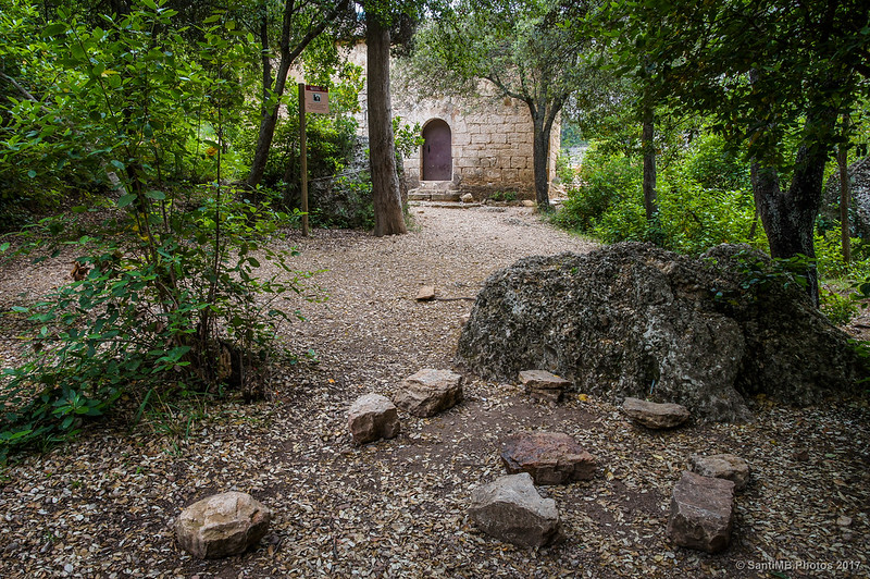 Espacio delante de la ermita de Sant Bartomeu de Fraguerau