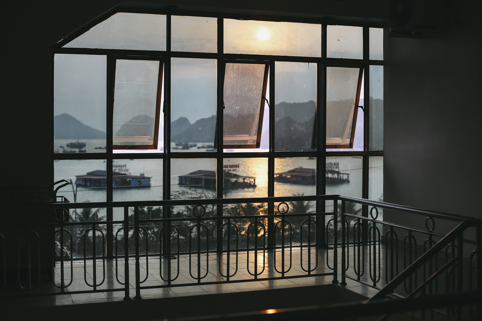 CatBa_12, Cat Ba Island and Halong Bay, a Photo and Travel Diary by The Curly Head, Photography by Amelie Niederbuchner