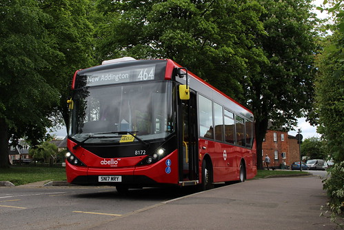 Abellio London 8172 on Route 464, Tatsfield Old Ship