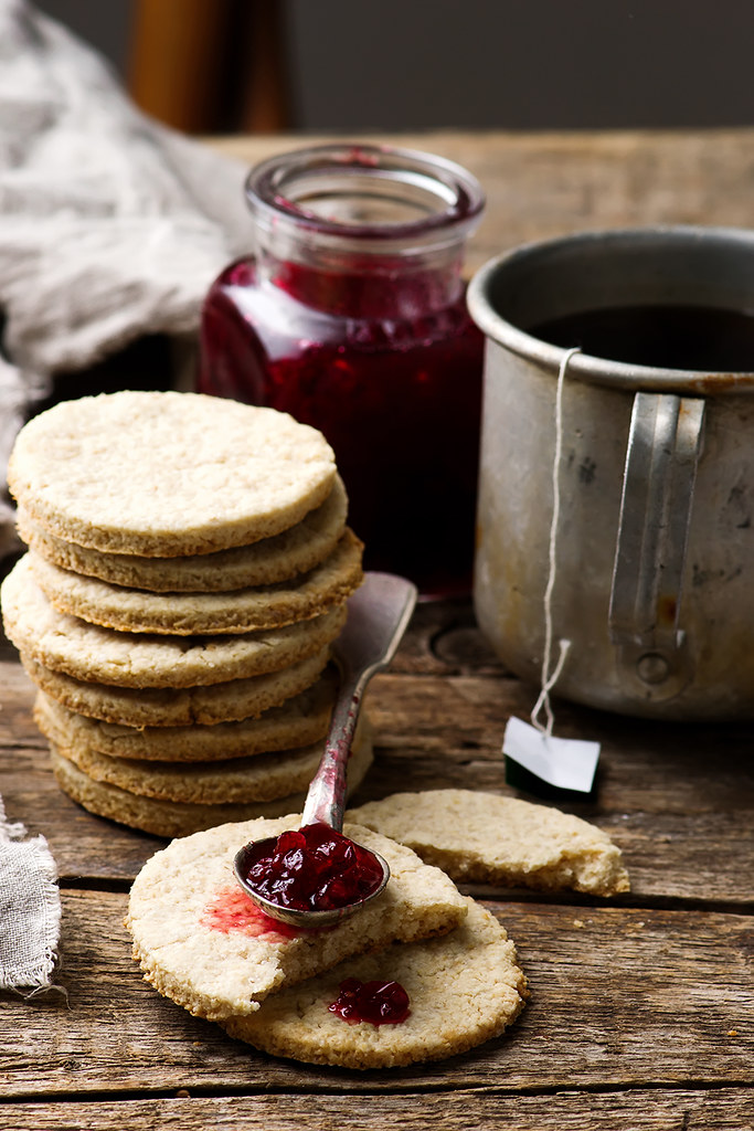Scottish Oatcakes with cowberry jam.style rustic