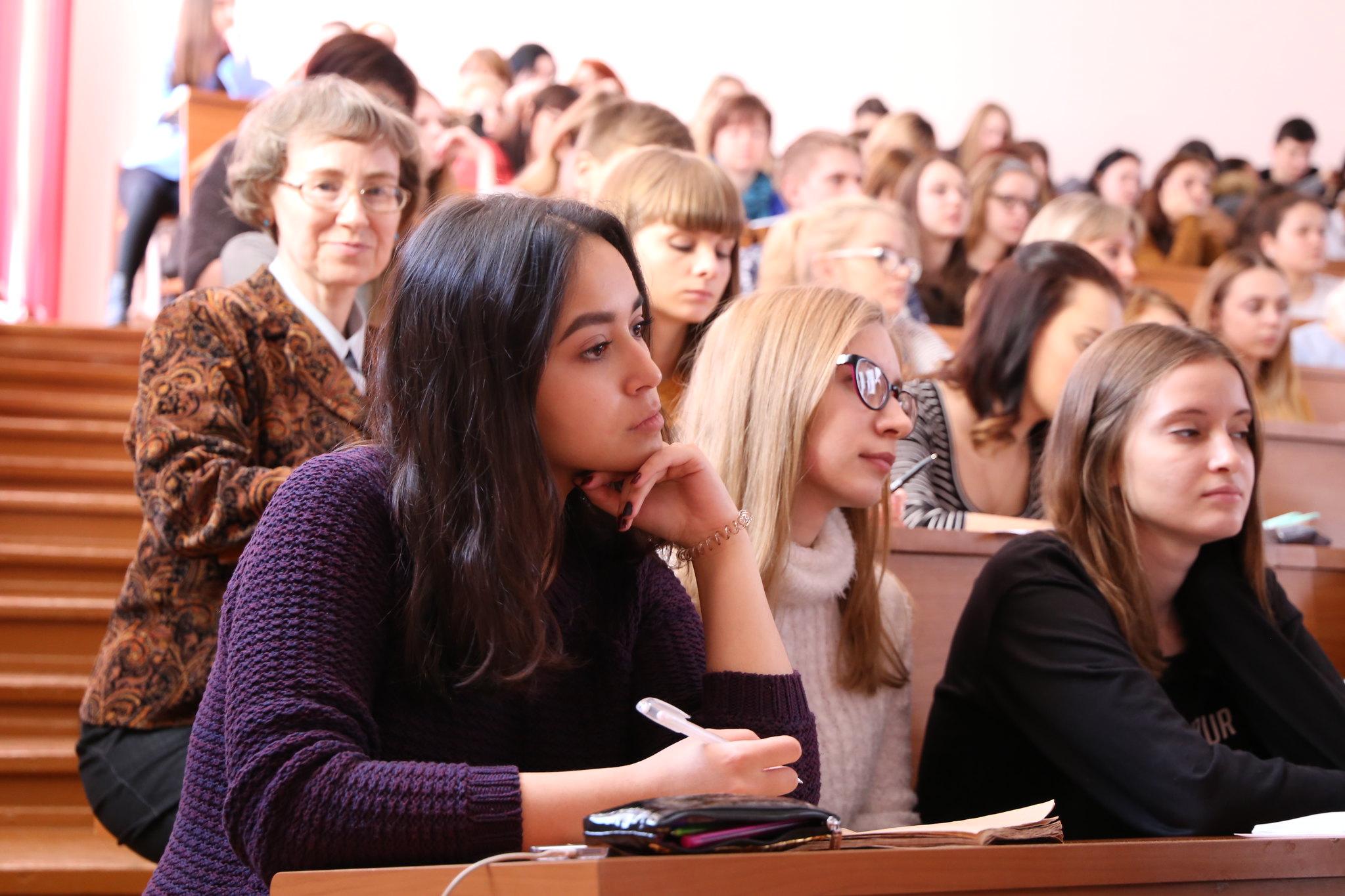 Студенты историко-филологического факультета на встрече с Т.М. Мельниковой