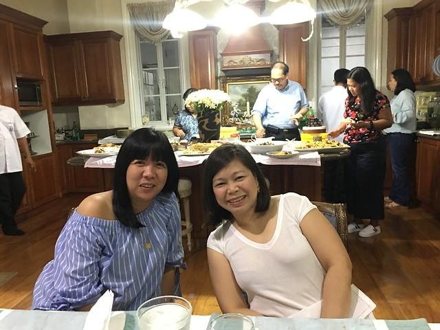 OMB dinner 098 Joyce and Nenuca