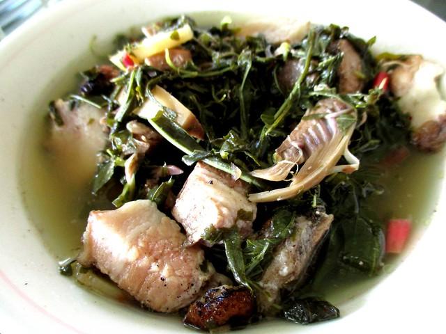 Anak Borneo daun Bandong with pansuh babi