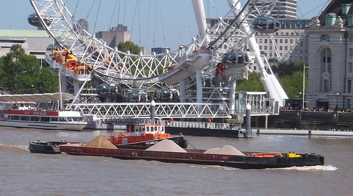 Thames tugboat and barge