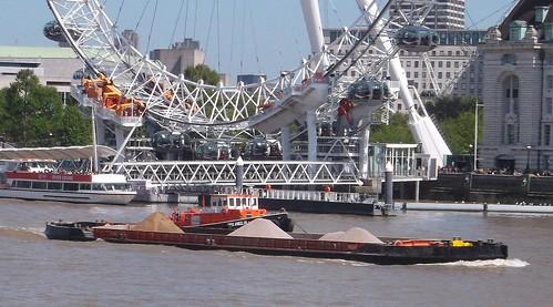 Thames tugboat and barge