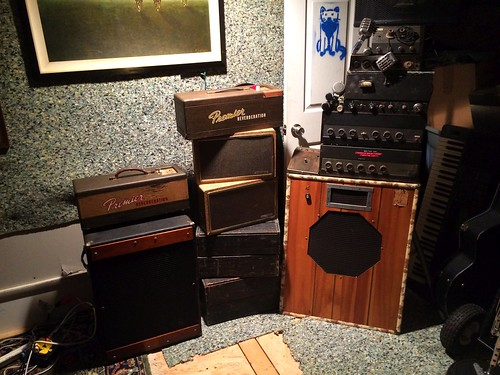 Granddad Markham's Old Music Gear (May 17 2016)