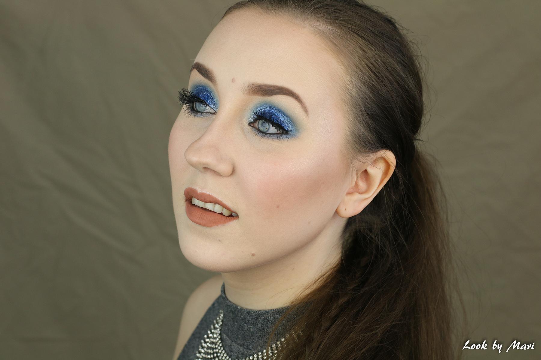 2 sininen glitter glitteri kimalle silmämeikki helppo aloittelijalle aloittelijoille nudet huulet