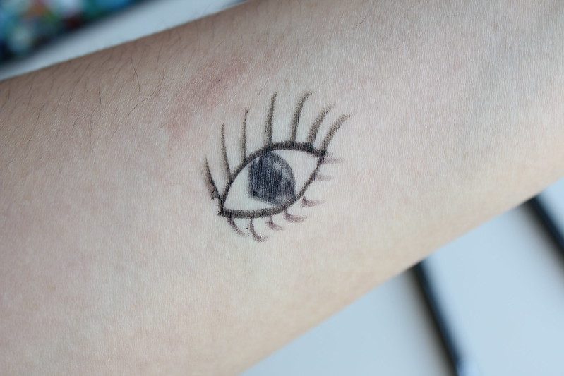 Shu Uemura Lasting Gel Pencil Eye Liner review and swatches