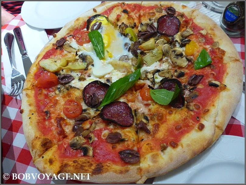 פיצה קפריצ'וזה ב- ג'יארדינו בלו – Giardino Bello