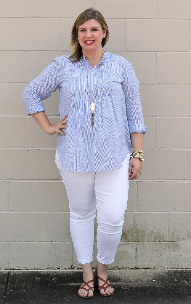 blue stripe pintuck popover, white jeans and strappy sandals_3