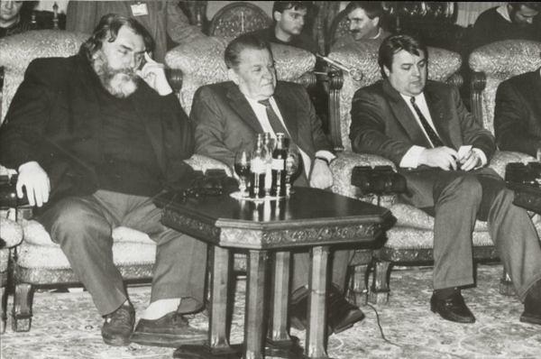 Adrian Paunescu, un alt reprezentant de seama al mafiei PSD-iste de dupa 1989