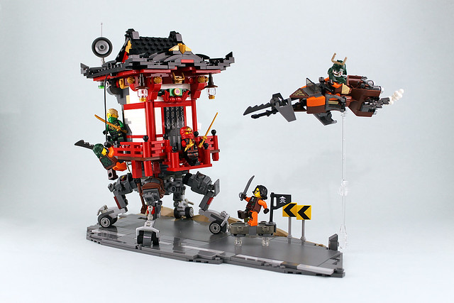 NINJAGO-Sky Pirates attack