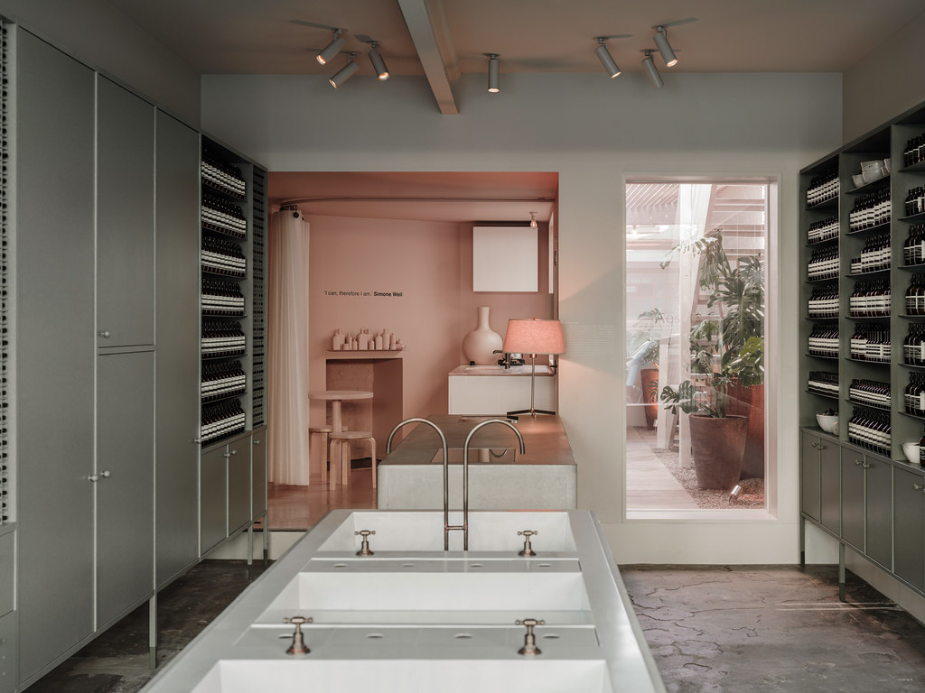Pink store design Aesop in Fitzroy by Clare Cousins Architects Sundeno_01